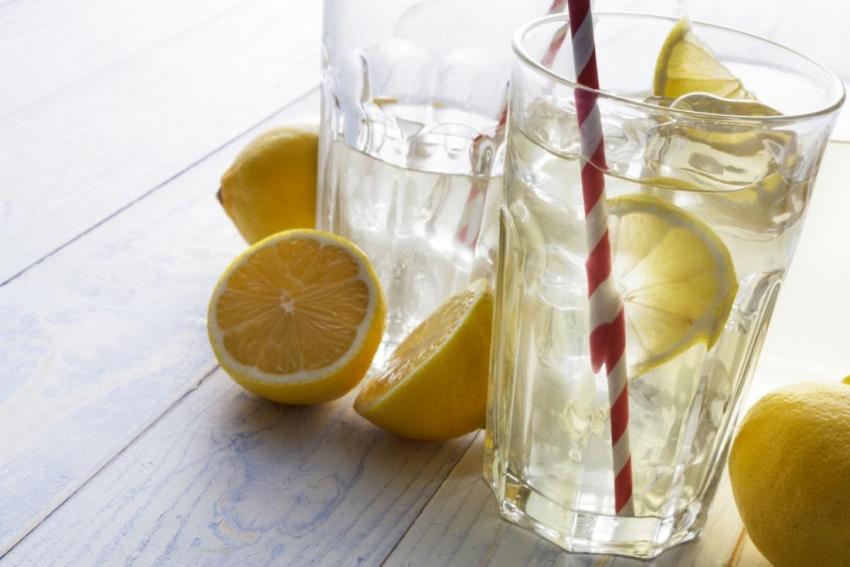 دیارترین سوودەکانی خواردنەوەی ئاوی لیمۆ پێش نانی بەیانی